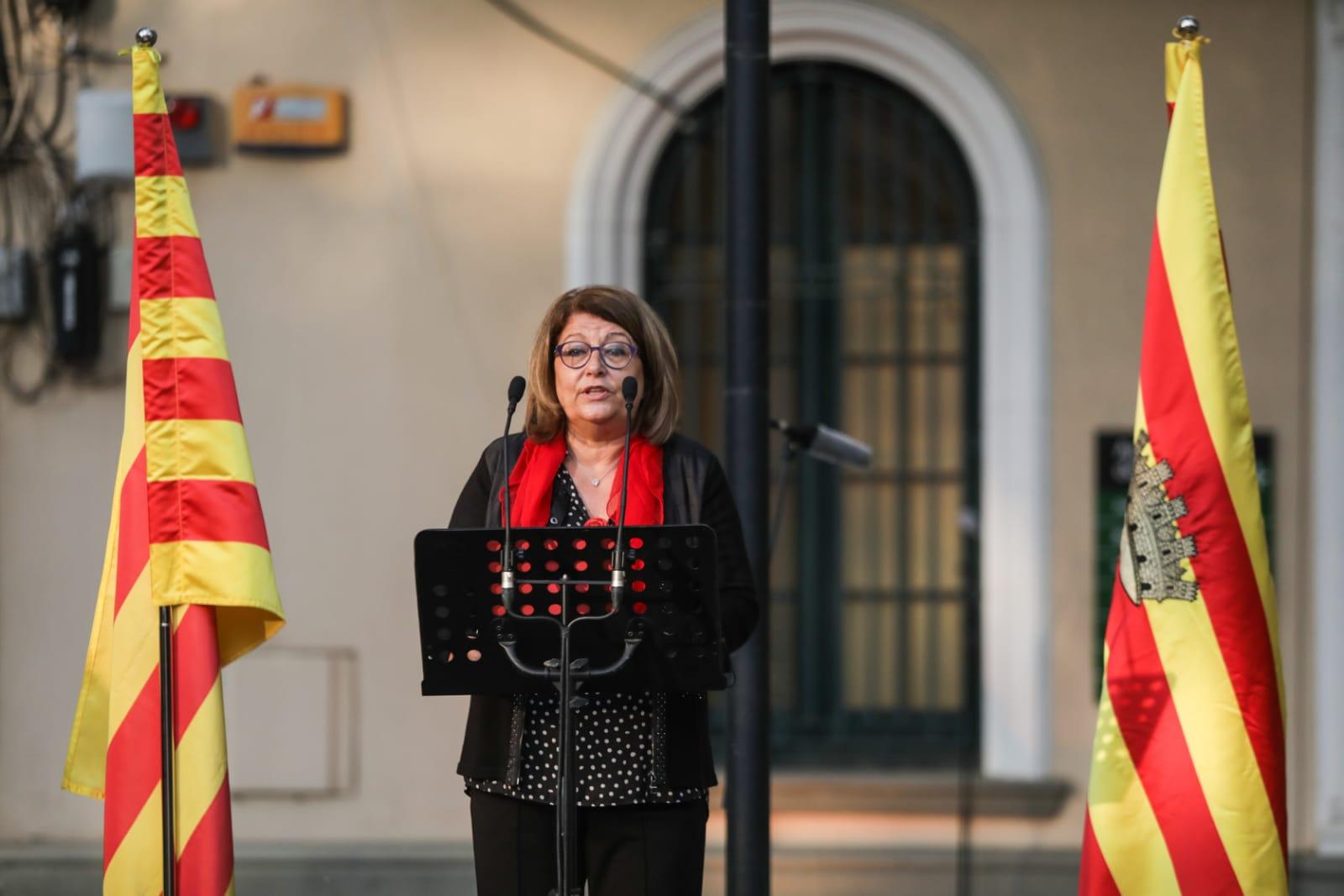 La regidora Pilar Gorina en l'acte d'homenatge a la II República i a la figura de l'alcalde Roc Codó. FOTO: Lali Puig