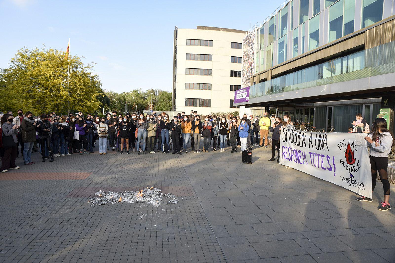 Concentració feminista denuncia l'abús sexual a una menor. Fotos Bernat Millet 22