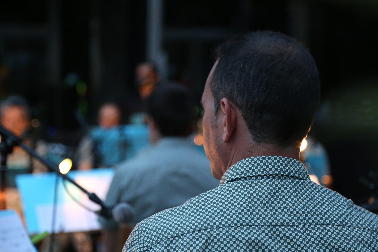 """La Principal del Llobregat fa acompanya musicalment l'espectacle """"Temps de dansa"""" del Grup Mediterrània. Foto: Anna Bassa"""
