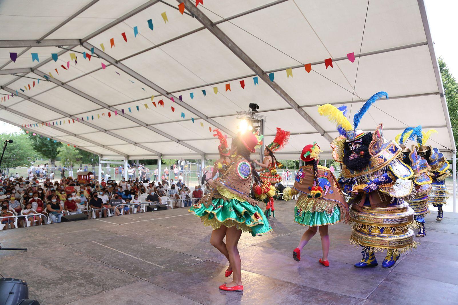Balls Tradicionals Bolivians. Foto: Anna Bassa