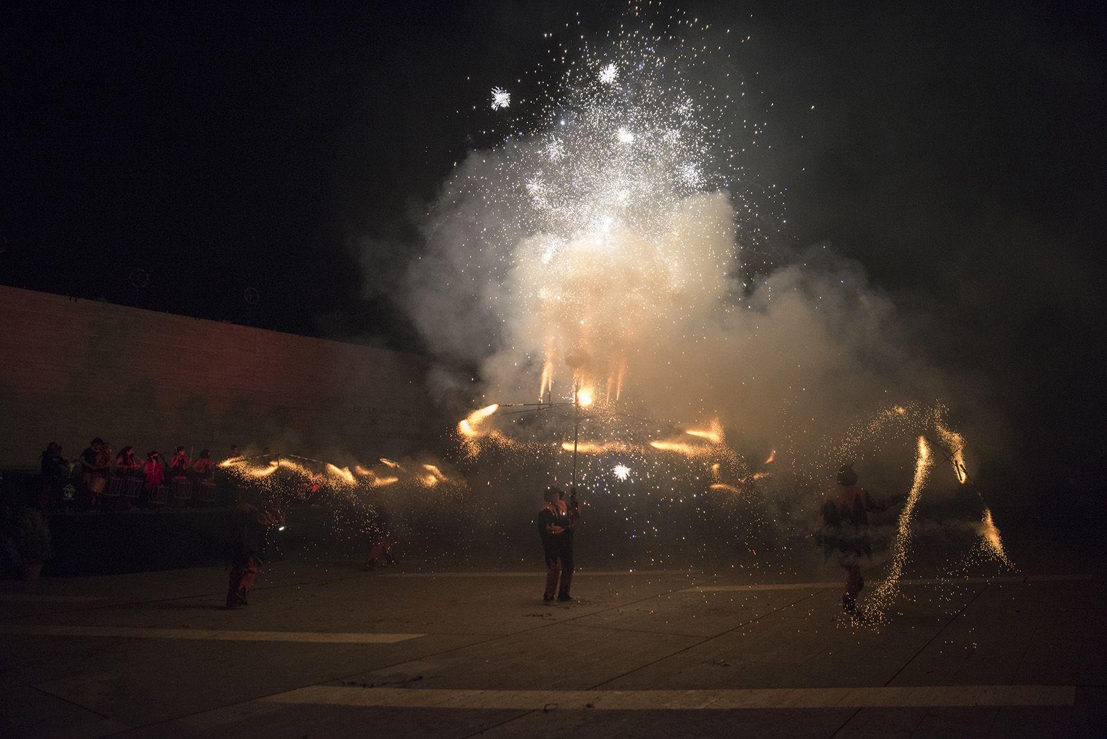 Versots i esclat de foc de Festa Major. Foto: Bernat Millet.