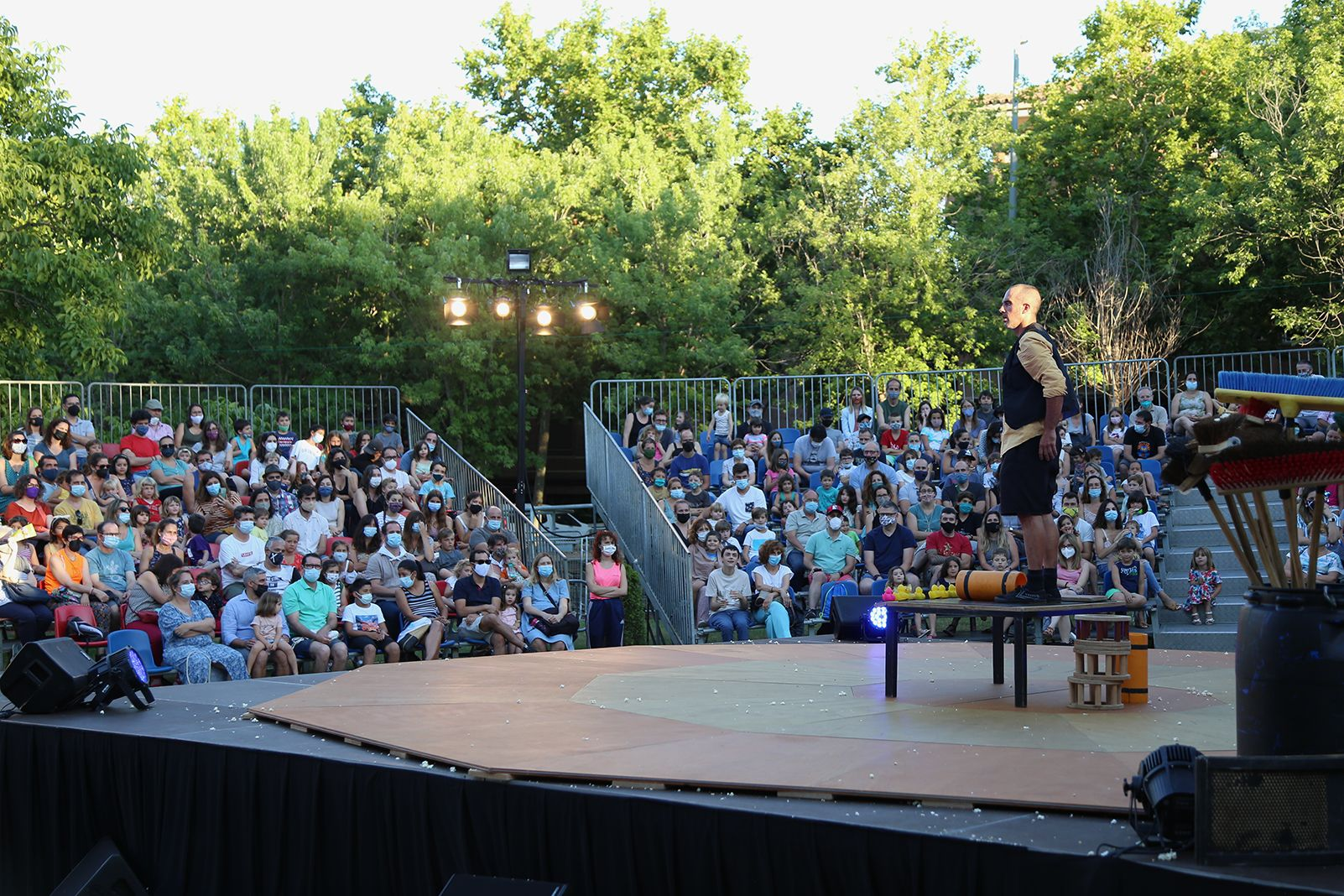Espectacle del Circ Vermut. Foto: Anna Bassa