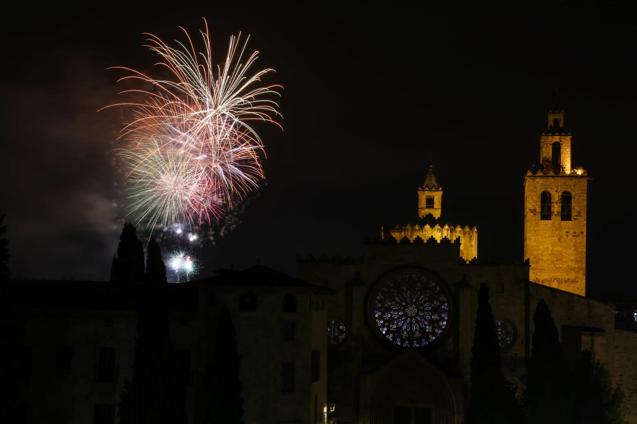 Castells de focs de la Festa Major del 2021. FOTO: Lali Puig