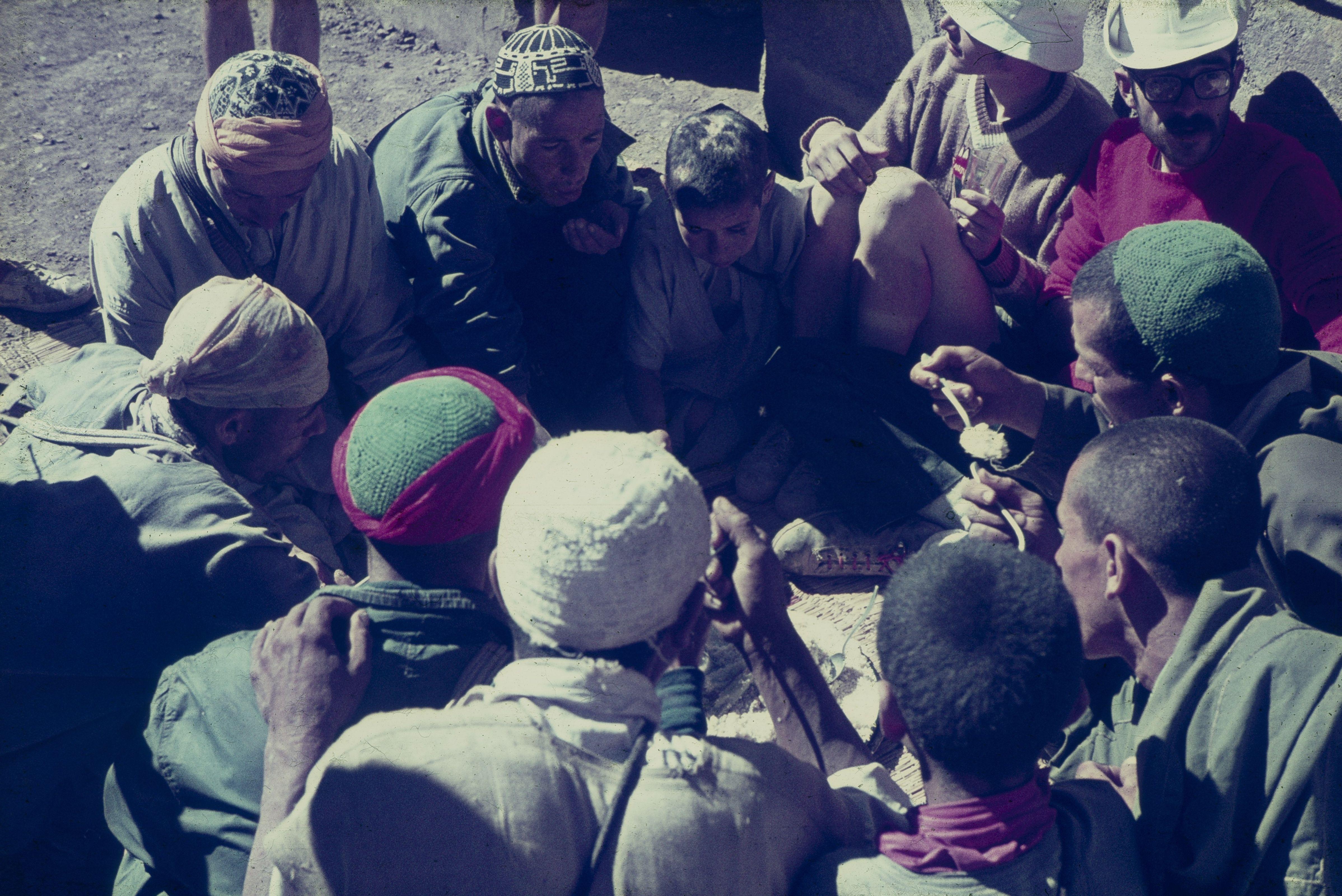 cuscús amb els portadors al poble de routbarak
