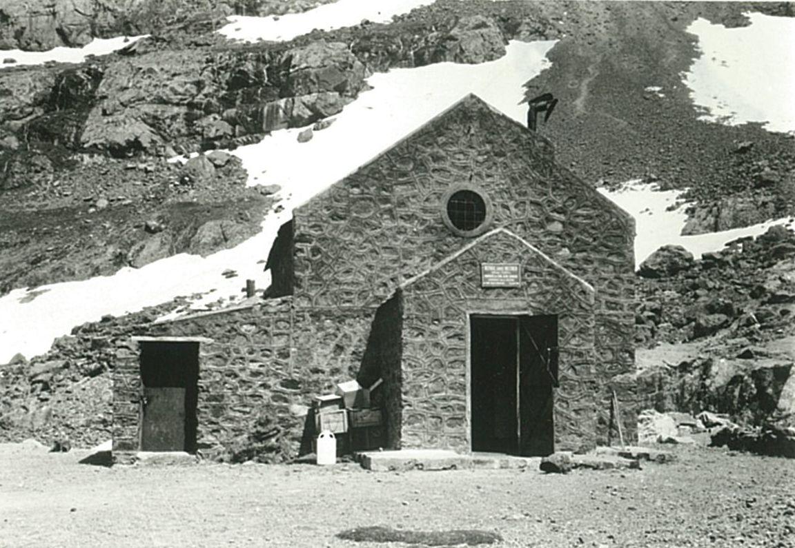 Refugi Neltner a 3.207m d'alçada, al peu del Toubkal, i que va ser el camp base de totes les sortides