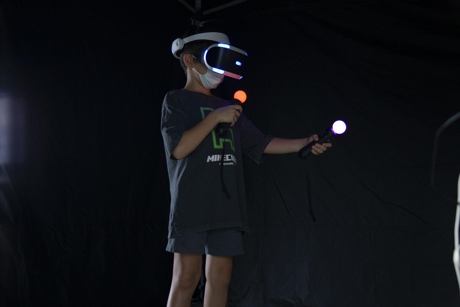 Realitat virtual a la Festa Major de Les Planes. FOTO: Anna Bassa