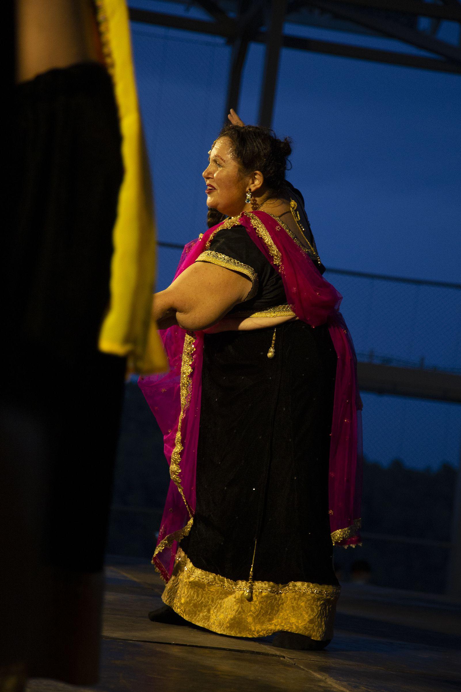 Exhibició de Bollywood a la FM Les Planes. FOTO: Anna Bassa