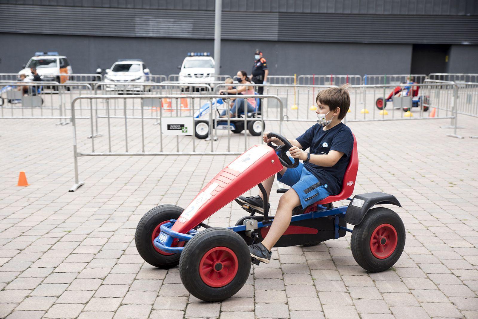 Circuit educació vial amb cars. Foto: Bernat Millet.